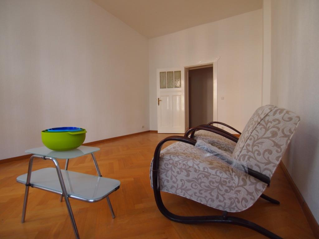 Wohnzimmer_Straße1