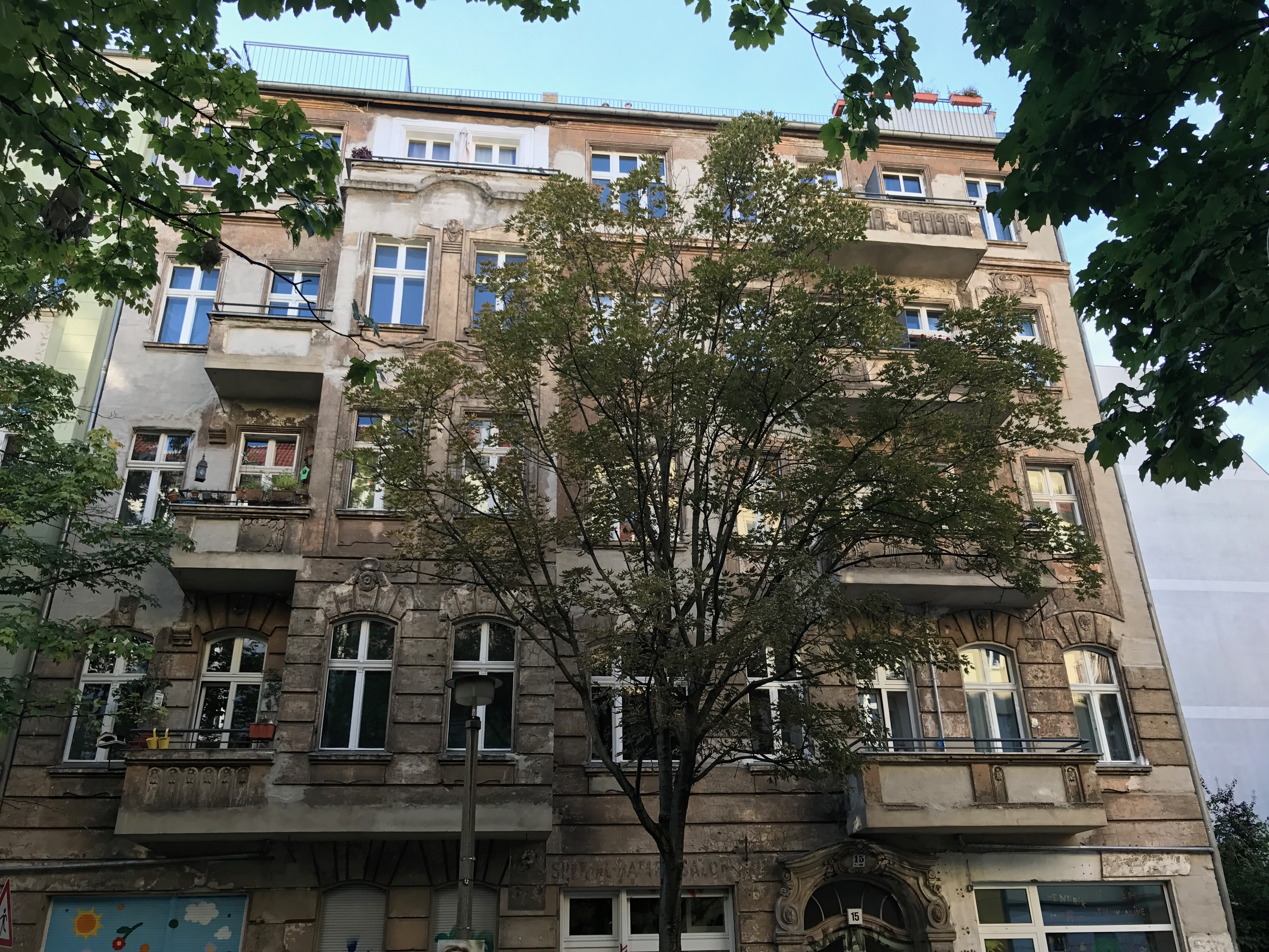 Hausfassade (vor Sanierung)